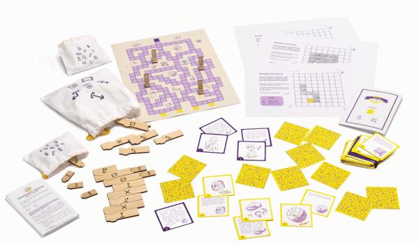 zawartość zestawu do nauki programowania dla dzieci Code Fun